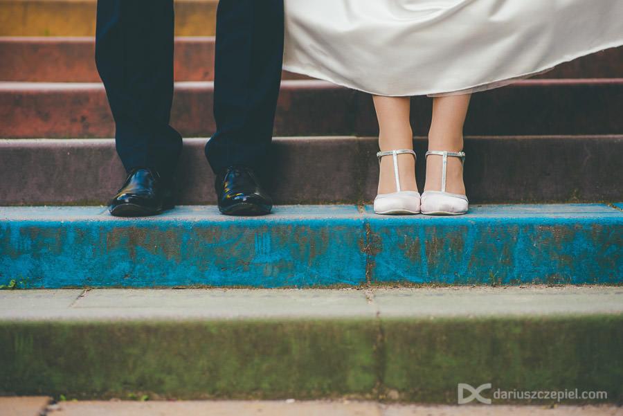 sesja ślubna plener kolorowe schody