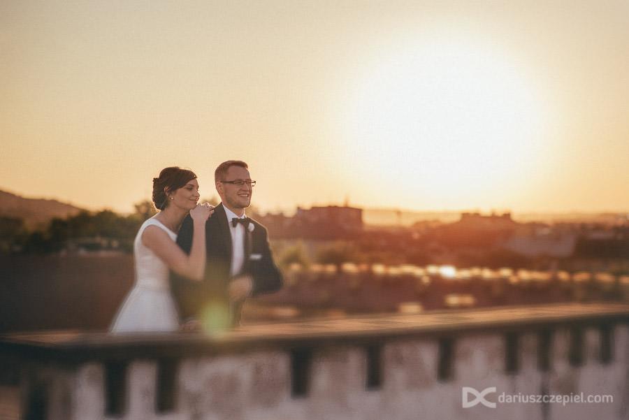 plener ślubny na dachu