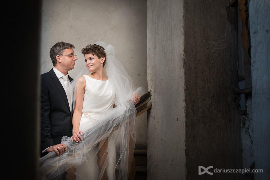 sesja ślubna w białej kamienicy