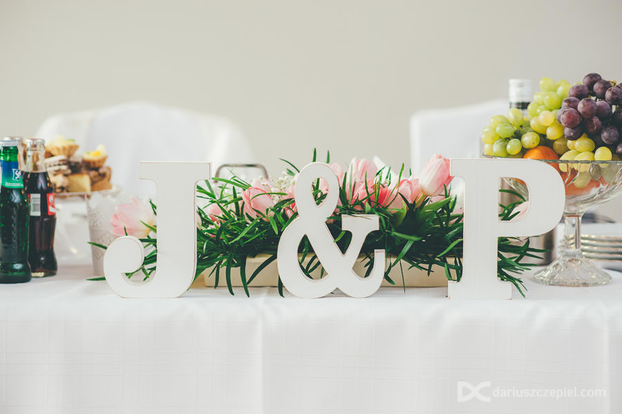 dekoracje ślubne litery