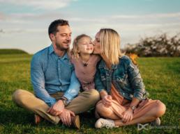 Dariusz Czepiel Fotografia może być Waszym fotografem rodzinnym w Krakowie i towarzyszyć Wam w ważnych chwilach życia Waszej rodziny dostarczając przy tym ponadczasową i wyjątkową pamiątkę w postaci zdjęć