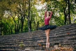 jesienna sesja wizerunkowa tancerki baletowej Emilii Szuwalskiej