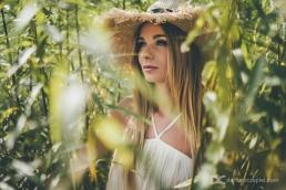 profesjonalna sesja zdjęciowa w stylu modowym z modelką Karoliną Pondo